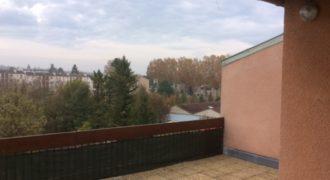 Appartement – Lumineux, grande terrasse – centre de Caussade – ref 1371