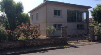 Maison – rénovée, grand garage, jardin – centre Caussade – ref 1277