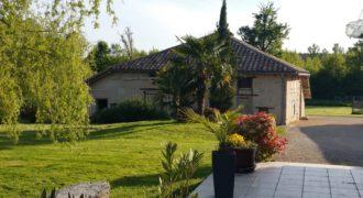Fermette, corps de ferme – Dépendance, piscine, terrain de 6 000m² – Caussade – ref 1381