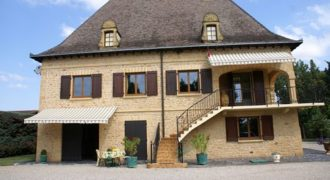 Maison de maître – pierres, terrain clos, 5 chambres – Montauban – ref 1113