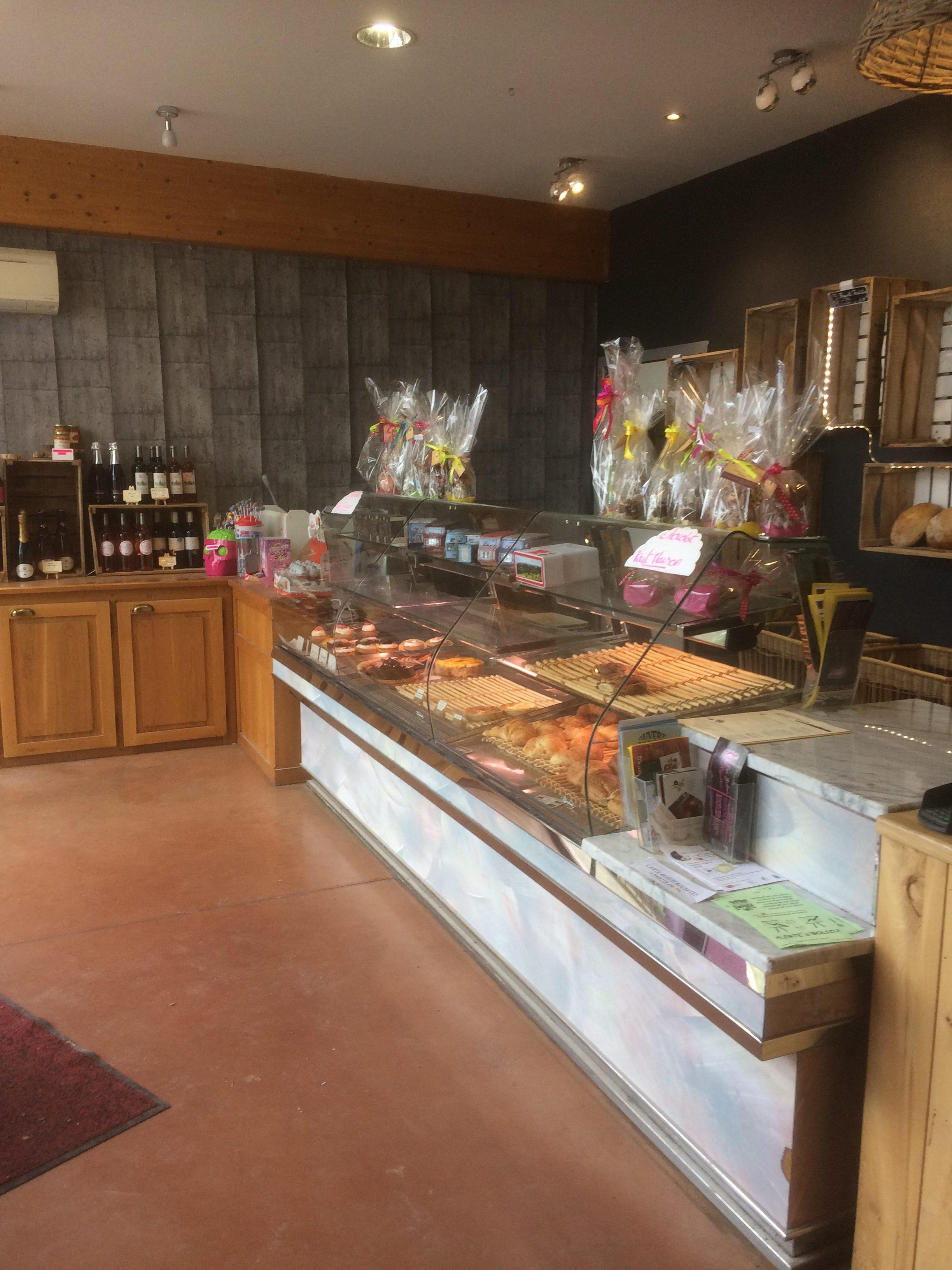 Fonds et possibilité achat des murs d'une  Boulangerie Patisserie  proche Caussade – référence 1404