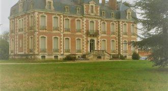 Bien de prestige Château et  dépendance  rénovés 28 ha 15 mn Montauban 82 référence  1410