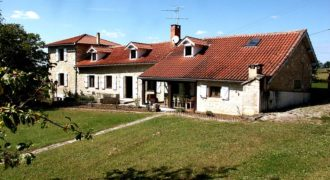Maison / fermette – 175 m², 4 chambres, terrain clos et arboré, piscine – Caylus – ref 1401