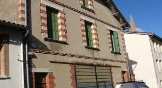 Immeuble-a rénover intégralement centre Caussade- petit jardin-référence 1399