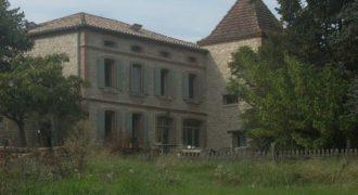 Bien de prestige-Magnifique domaine rénové- sur près de 3 ha-5km de Caussade-Réf 00757-