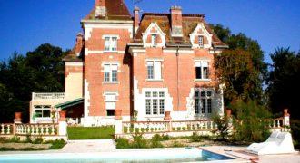 Belle demeure bourgeoise du début du XX° siècle dans le département duTarn-et-Garonne. Réf. 1270