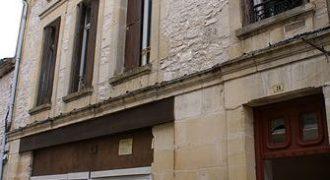 Immeuble rénové-de 7 appartements proche de Lauzerte-sur le chemin de St Jacques-Réf 00998-