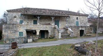 Moulin rénové – Sur 4 ha – A 25 km Nord Caussade – REF 00647-