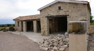 Fermette gros oeuvre rénové sur 2500 m², 15 km Nord Caussade