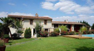 Bien de Prestige-Lauragaise-a 20 mn de Toulouse- de 500 m² au bord du canal-ref DM 01-