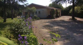 Maison de plain-pied avec appartement indépendant – Caussade – REF1444