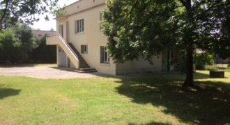 Maison individuelle sur 900m2 de jardin – 1km du centre de Caussade – REF:1439