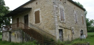 Fermette- 7 km Caussade-grange et maison- terrain 5000 m²-calme-ref 1442