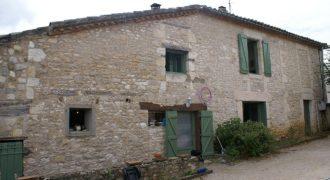 Ensemble maison et  dépendance- 12 km Caussade-petit village tous commerces- très bon rapport locatif-ref 1465